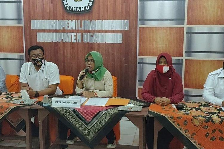 KPU OI Telah Diskualifikasi Paslon Bupati Ilyas-Endang & Dilarang Berkampaye