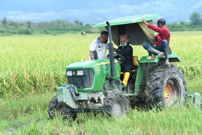 """Panen Raya Padi"", Menteri Pertanian Yasin Limpo Sangat Apresiasi Kab.Buru"