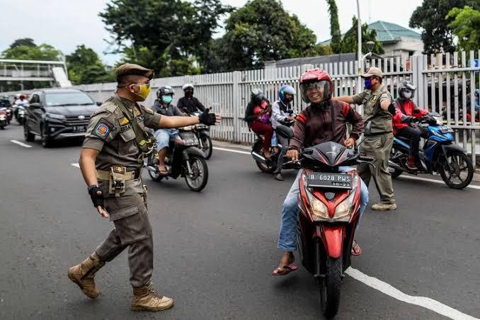 Belum Sebulan Penuh, Hampir 500 Juta Uang Denda Masuk Dari PSBB Ketat Jakarta